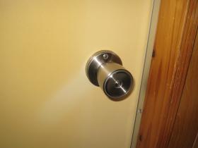 浴室チューブラ錠 取付