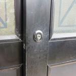 玄関 引違戸錠 壊れているので取り替え 沖縄市