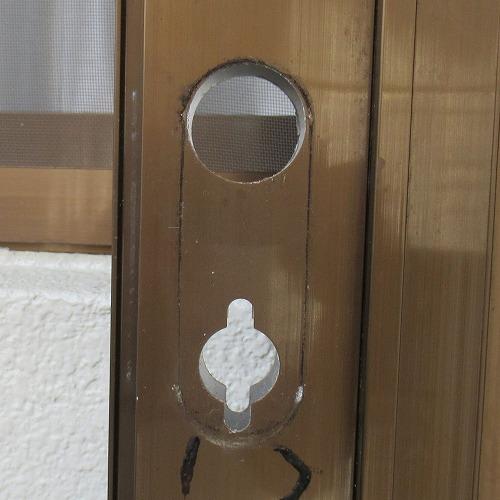 勝手口ドア ベルエア ドアの切り欠き