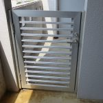 ベランダのアルミ格子ドア 鍵が回らない カギ交換 宜野湾市