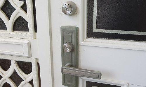 玄関ドア YKK MIWA TESP 故障したから交換 沖縄市