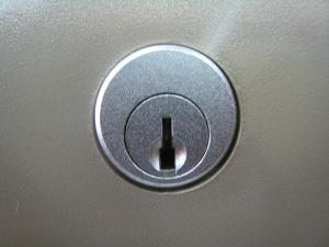 タイムレコーダー 鍵穴