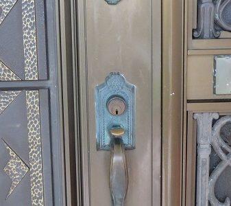玄関ドアのカギ WEST シリンダー交換 ディンプルタイプ 宜野湾市