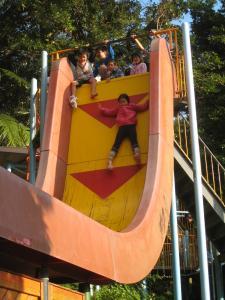 垂直滑り台2
