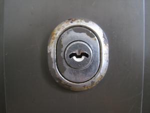 召し合わせ 鍵穴