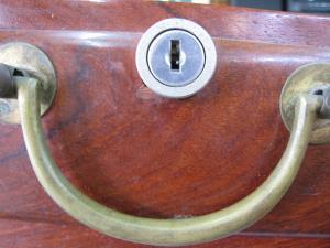 木製引出 鍵穴アップ