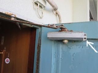 公団ドアのドアクローザー交換(宜野湾市)