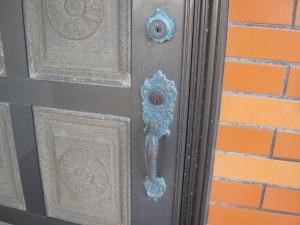 BEST 玄関サムラッチ錠 鍵穴2個 組替して鍵作製(宜野湾市)
