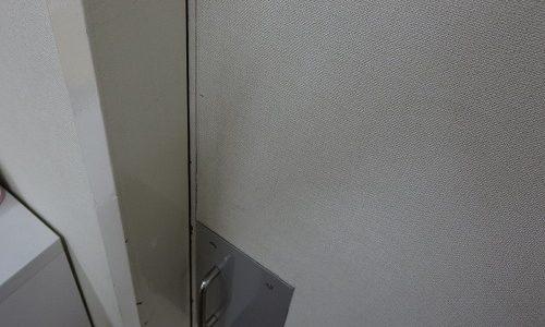 引戸にカギ取付 U9FN-1 宜野湾市