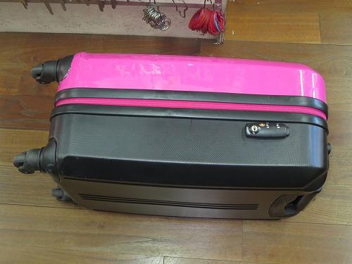 ピンクのスーツケース