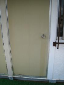 プレハブのドア
