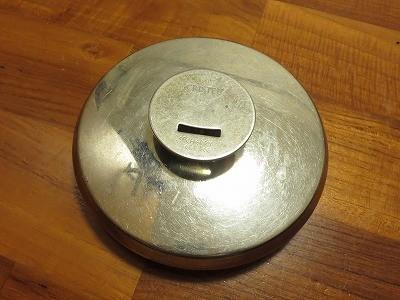 クリステルの鍋の蓋のつまみが取れたのでル・クルーゼのつまみをつけてみた