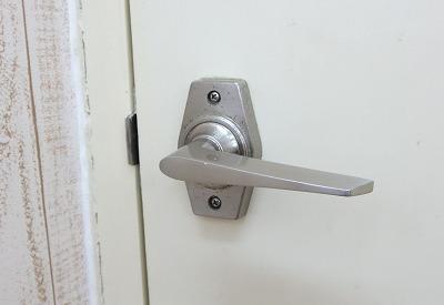 トイレのレバー錠を表示付に交換 宜野湾市