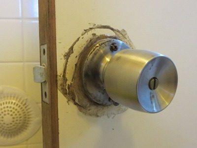 浴室のノブ錠 表示付 交換 宜野湾市