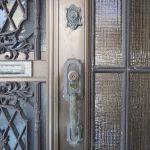 玄関ドアのカギ交換 ATOM FRONTIER AICA サムラッチからノブへ 宜野湾市