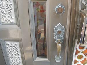 BEST 本締錠+サムラッチ錠 組替して鍵作製(宜野湾市)