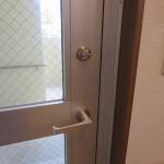 室内側のつまみ(サムターン)に非常用カバーを付けました 宜野湾市